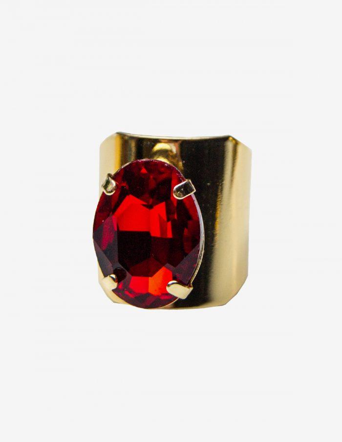 anillo dorado y rojo