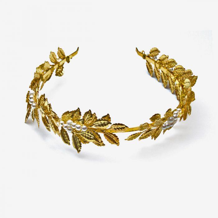 diadema dorada hojas