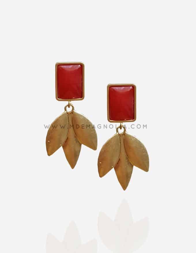pendientes de hojas doradas