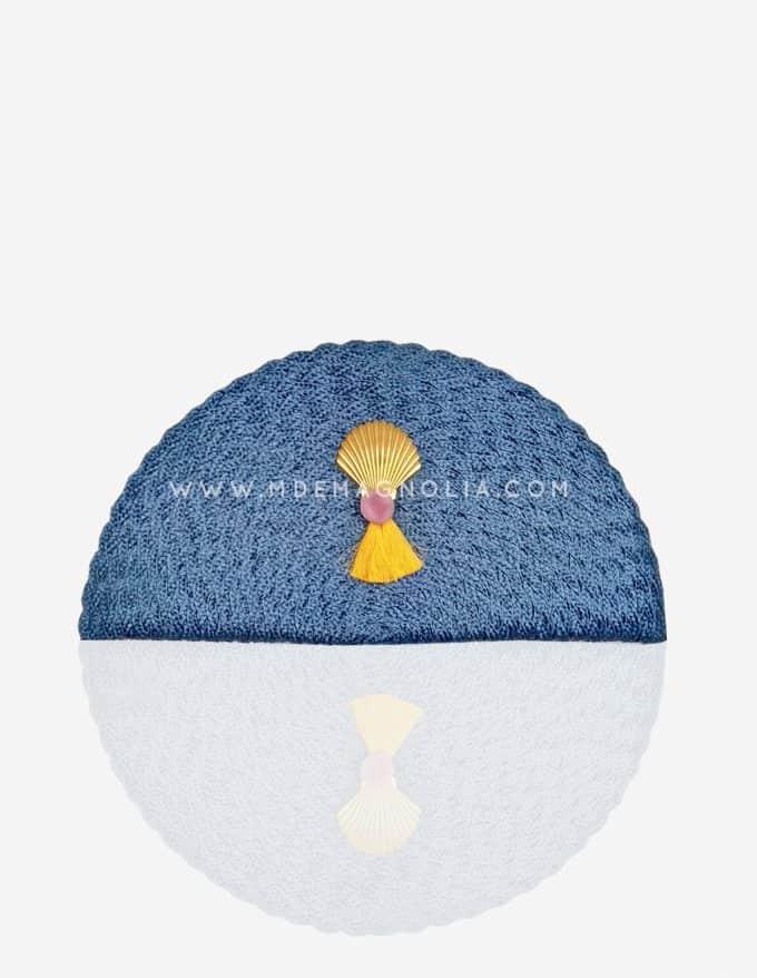 bolso abanico azul con concha