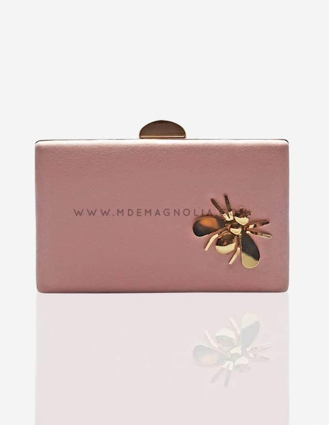 bolso rosa palo con escarabajo