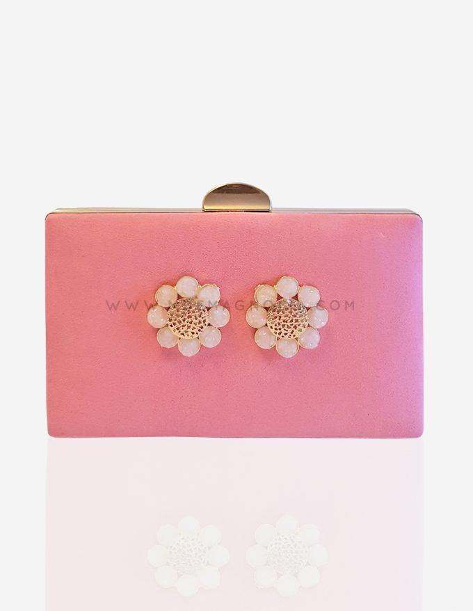 bolso rosa con flores