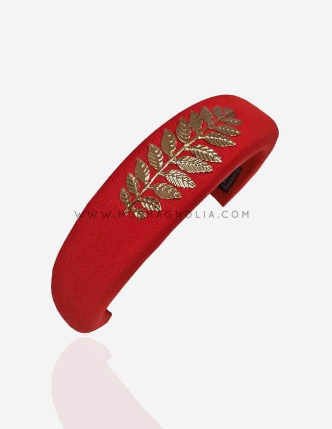 diadema roja para invitadas