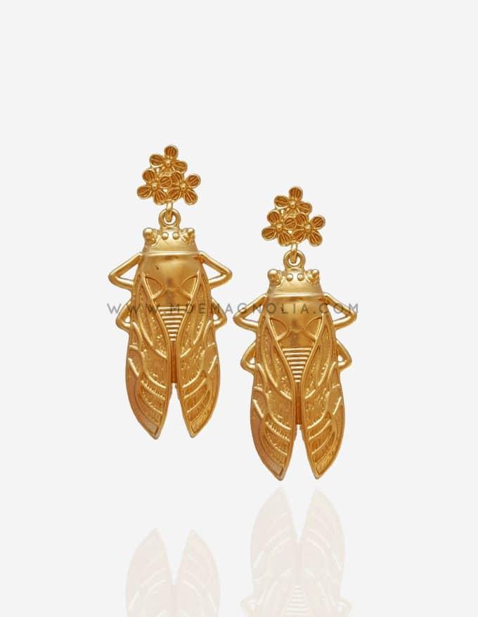 pendientes escarabajos dorados