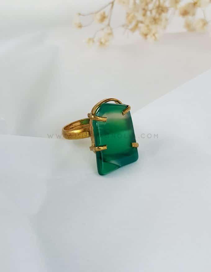 anillo de piedra natural verde