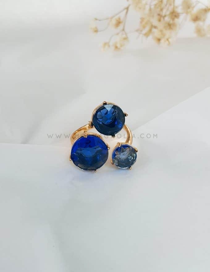 anillo triple de cristales azules