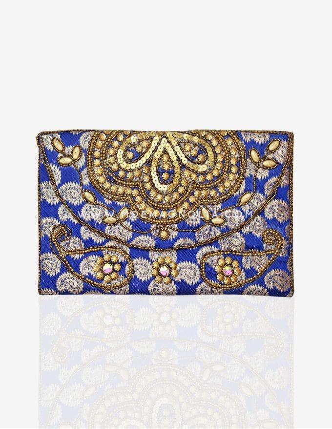 cartera de mano azul klein