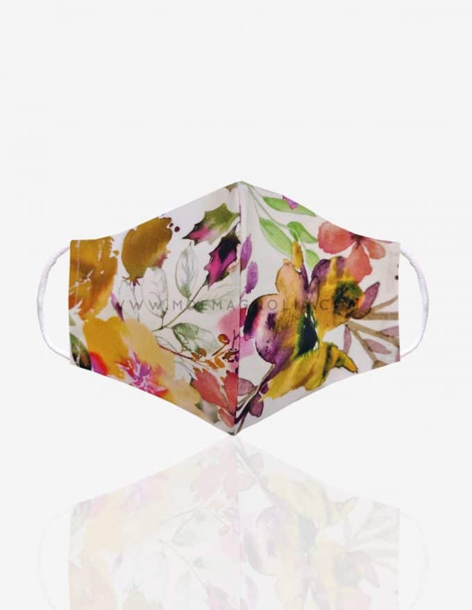 mascarilla de tela con flores mostaza